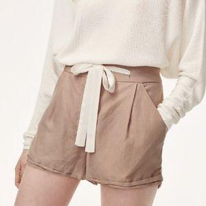 Aritzia Wilfred Allegra Shorts sz 2